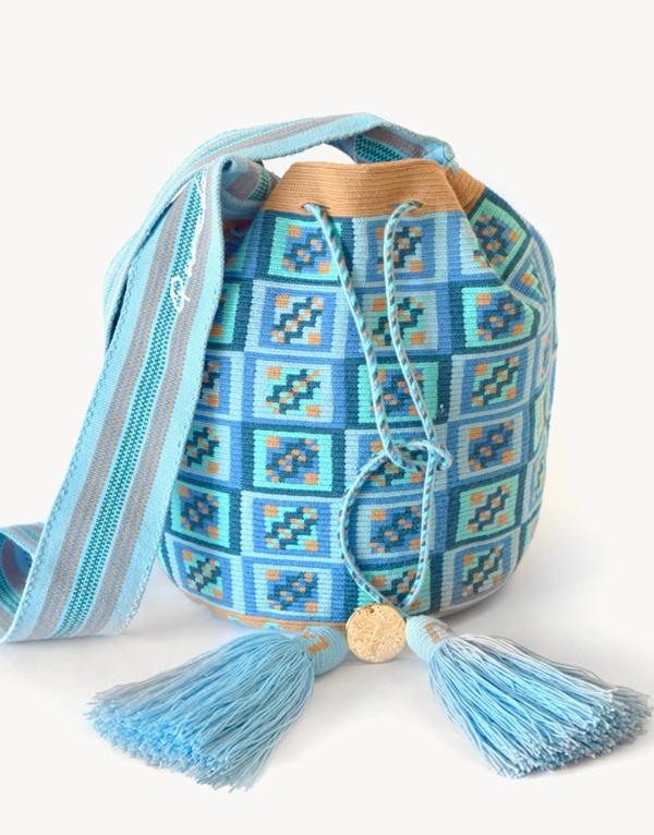 cayana-azul